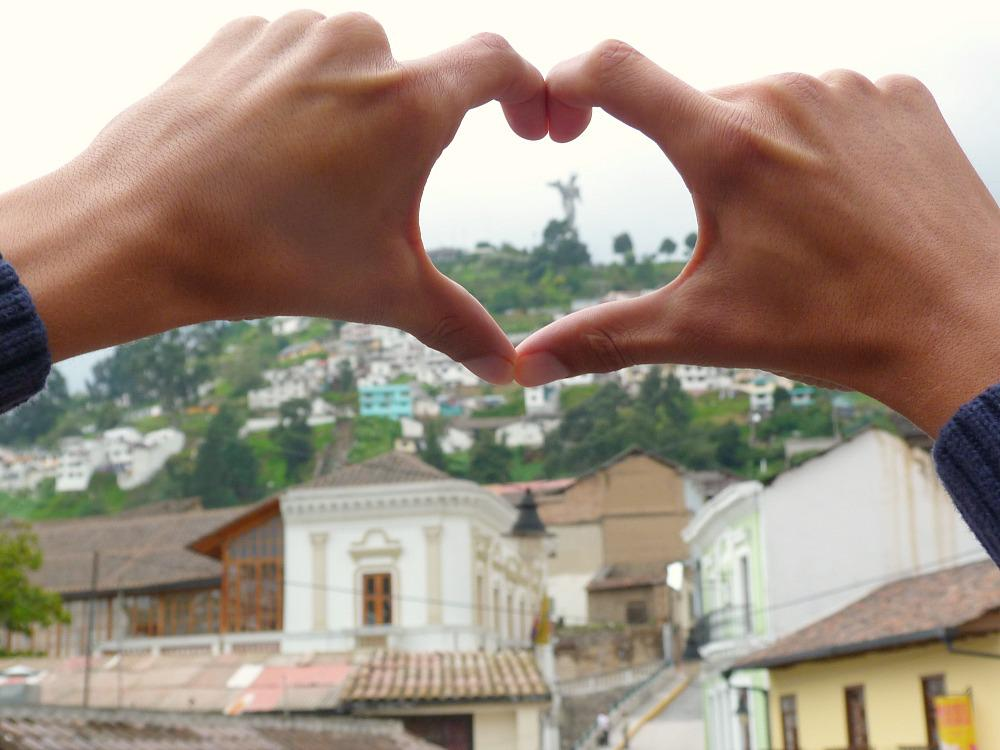 ecuador-quito-love