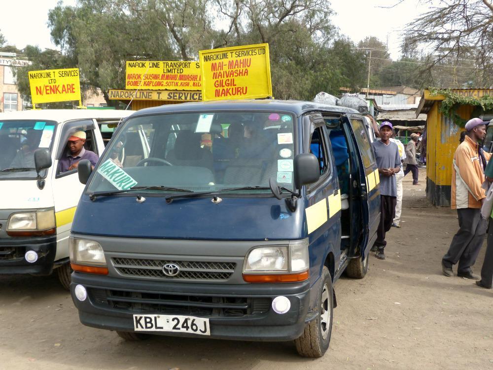 kenia-reis-openbaar-vervoer-matatu