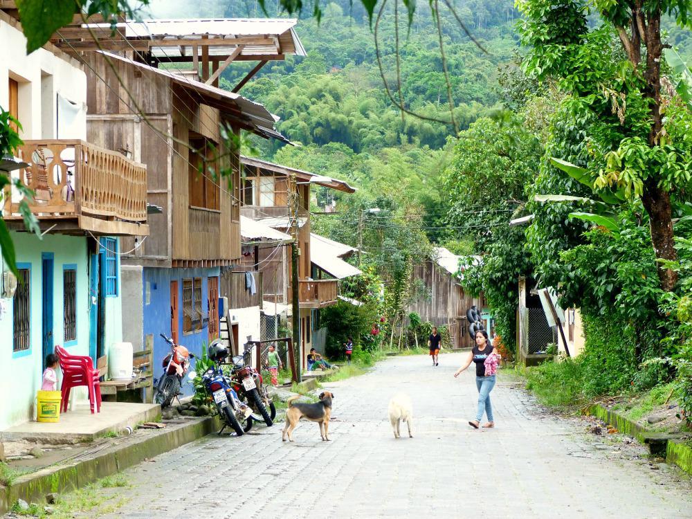 ecuador-mindo-straat
