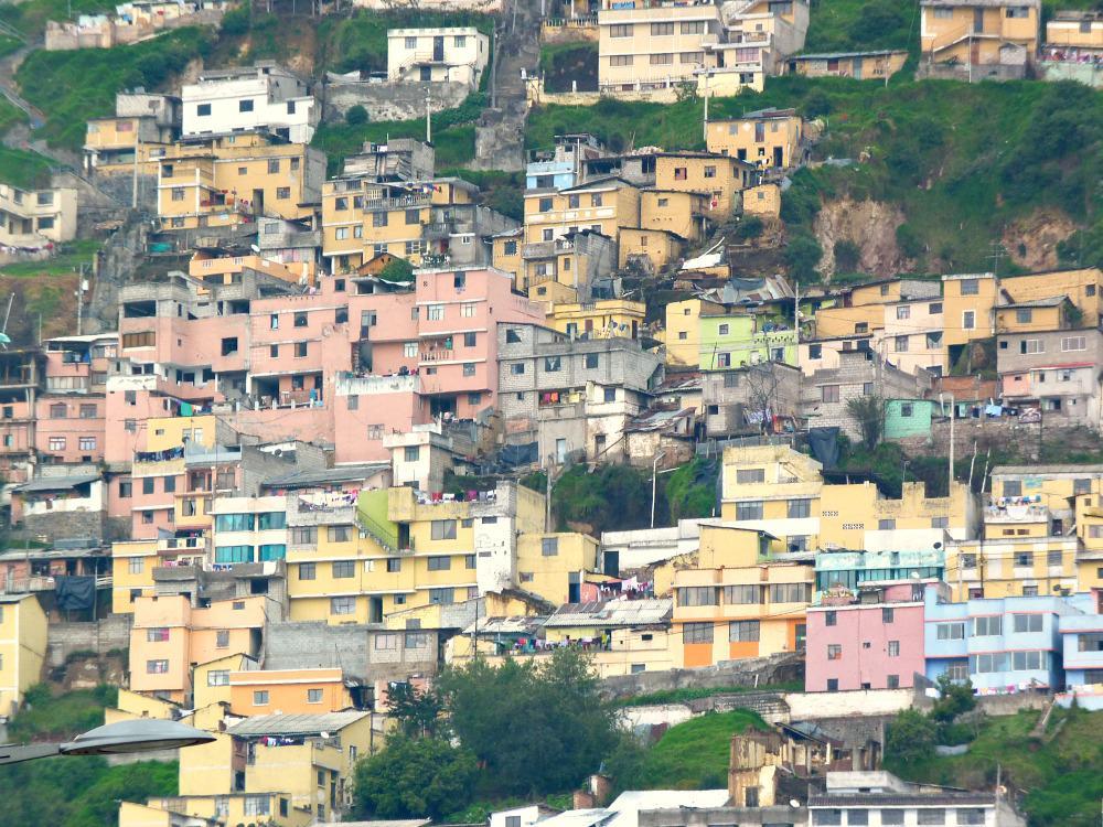ecuador-quito-huizen-berg