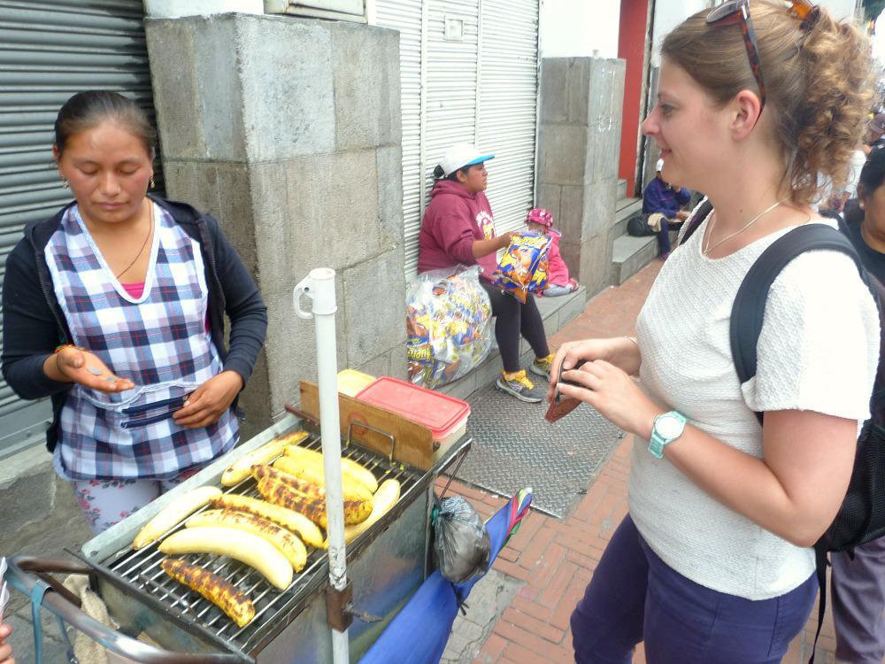 quito-ecuador-eetkraampje-bananen