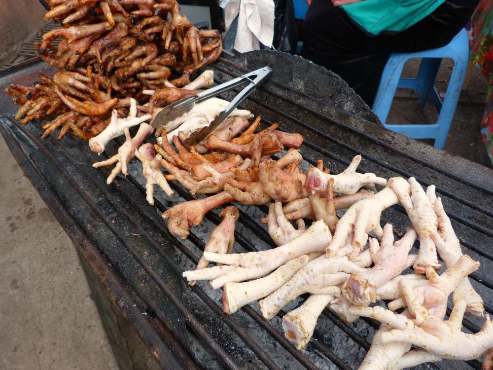 ecuador-guamote-markt-kippentenen
