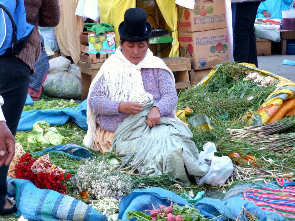 bolivia-la-paz-cholitas-marktkraam