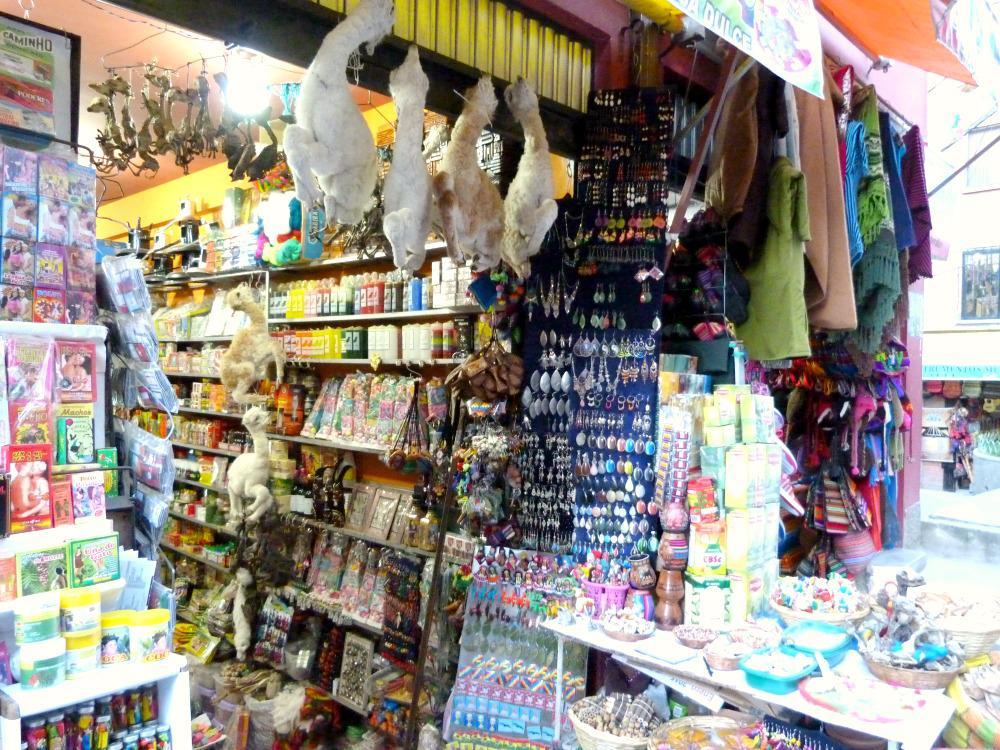 bolivia-la-paz-heksenmarkt-kraam