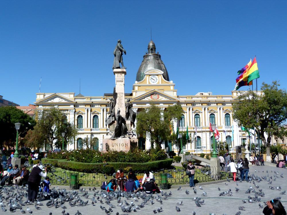 bolivia-la-paz-plaza-murillo