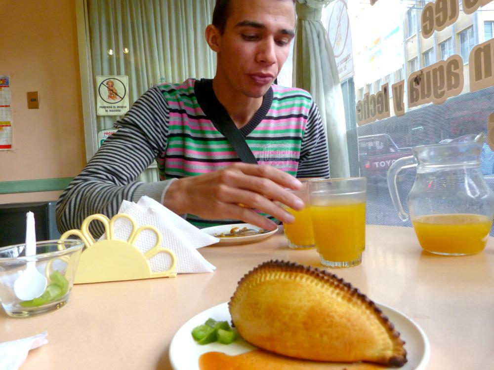 bolivia-la-paz-saltenas-lunch