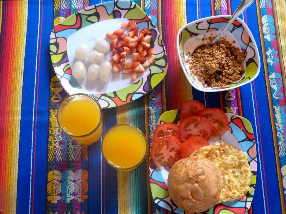 ecuador-budget-travel-ontbijt
