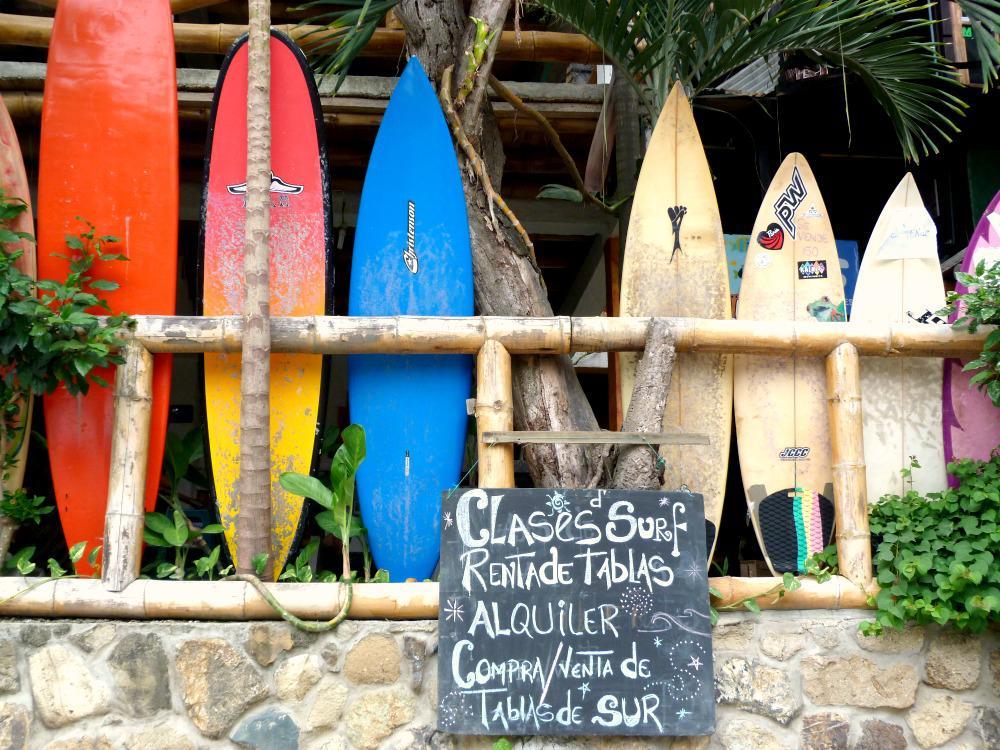 montanita-ecuador-strand-surfen