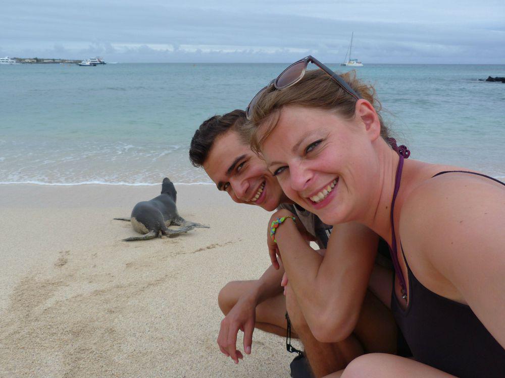 ecuador-galapagos-san-cristobal-zeeleeuw-samen