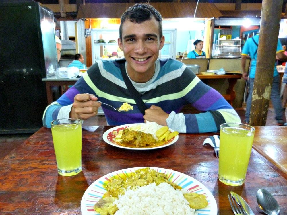 galapagos-budget-eten-straatstalletje