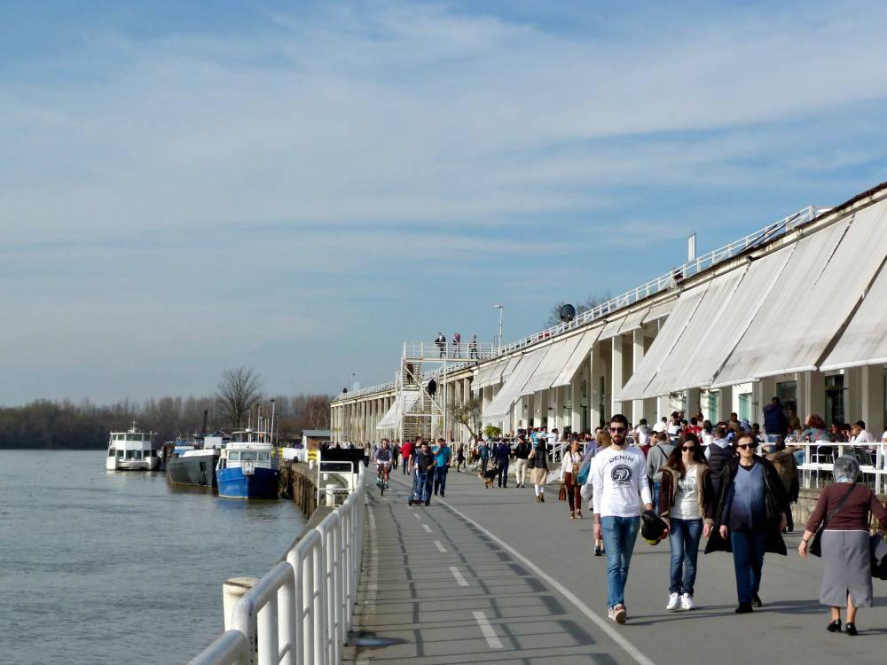 belgrado-citytrip-beton-hala