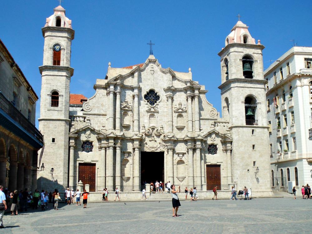 cuba-havana-tips-plaza-catedral