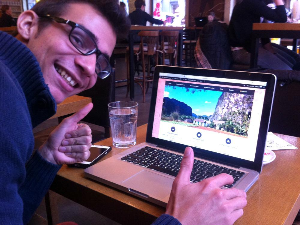 jesus-website-laptop-koffiebar-belgrado