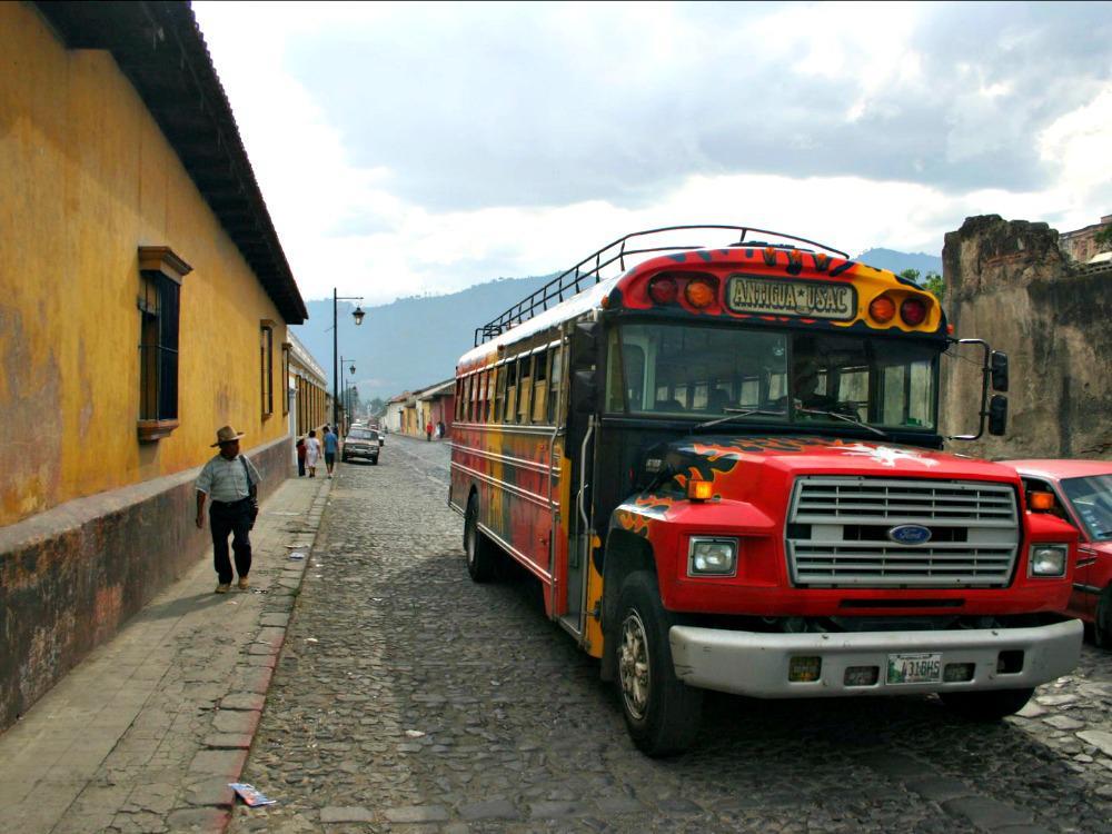 Ruta Maya Guatemala - chickenbus