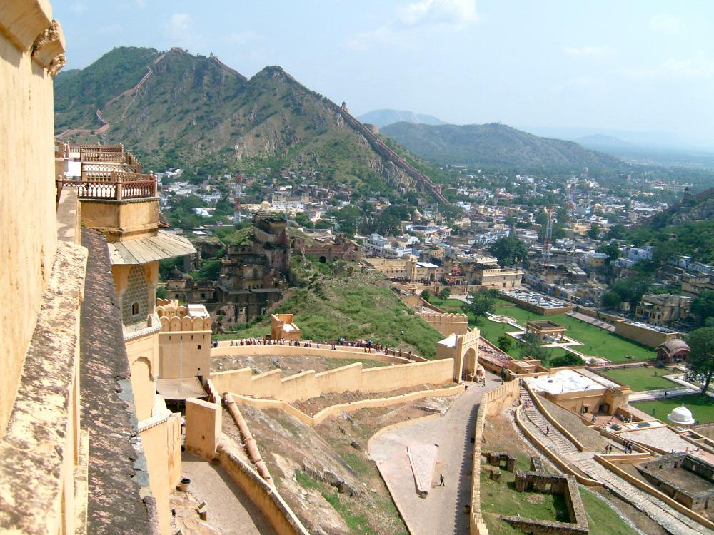 india-rondreis-jaipur-amber-fort-uitzicht
