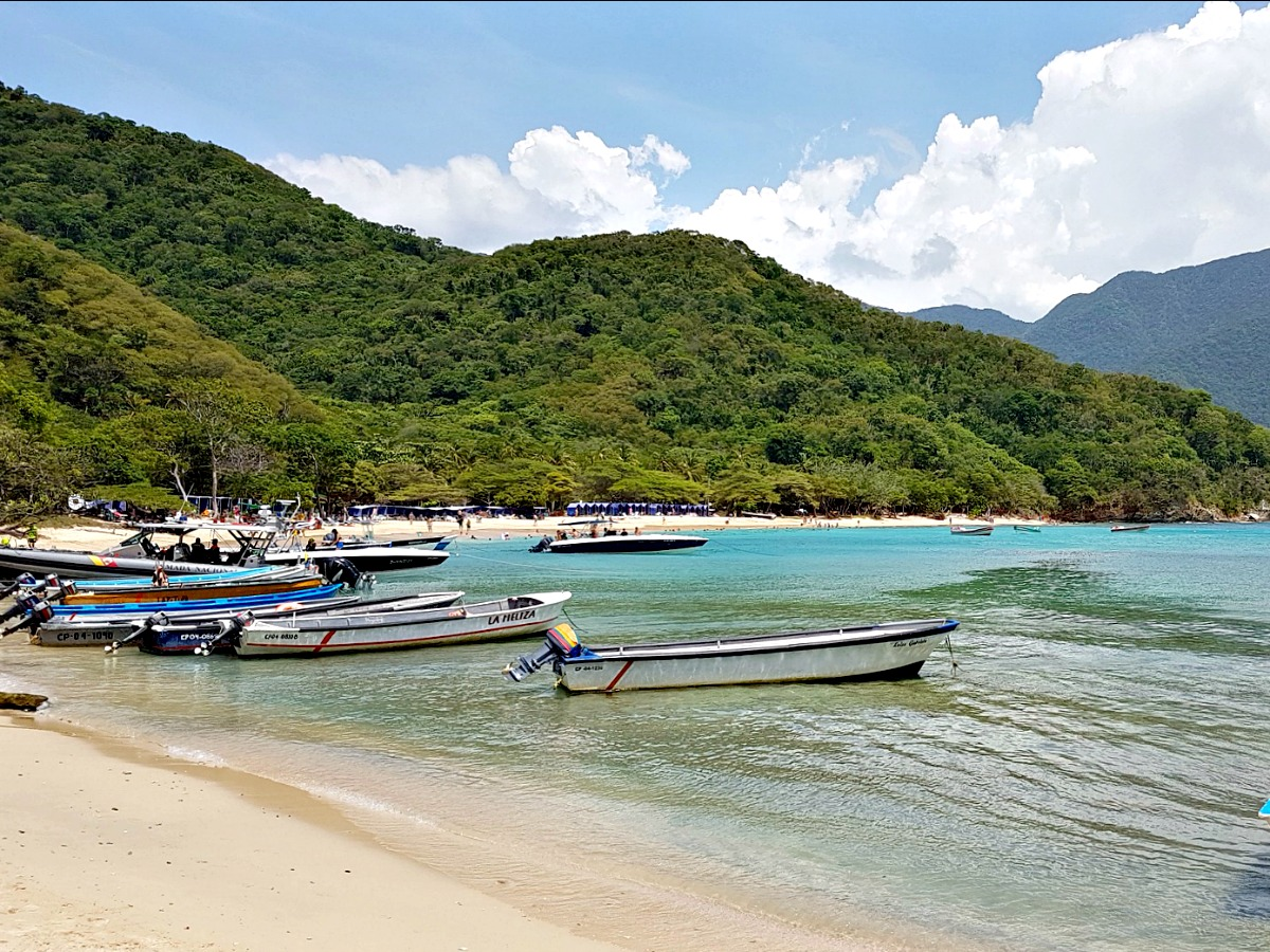 tayrona colombia tips