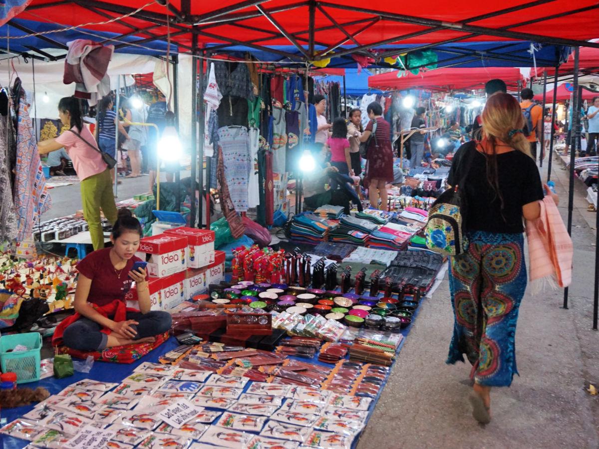 Tips Luang Prabang, Laos - night market