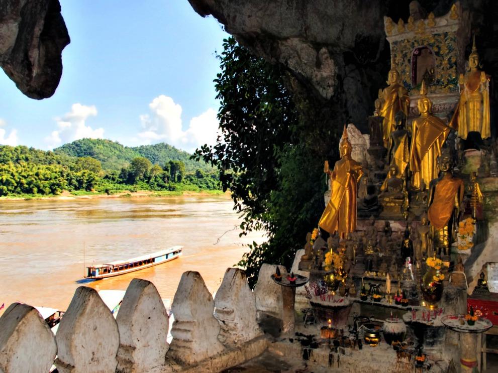 dagtrip Luang Prabang Pak Ou caves