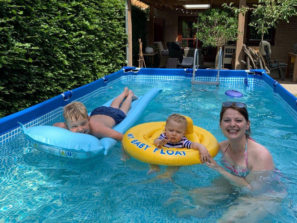 persoonlijke update 2020 - zwemmen in de tuin